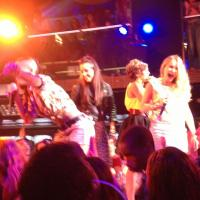 "Popstars 2013 : Premier showcase ""Au top"" pour le groupe gagnant The Mess"
