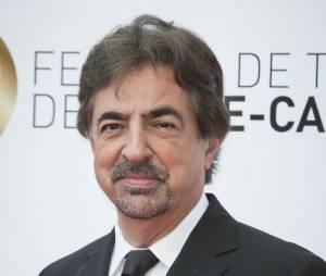 Joe Mantegna est toujours surpris par son personnage dans Esprits Criminels