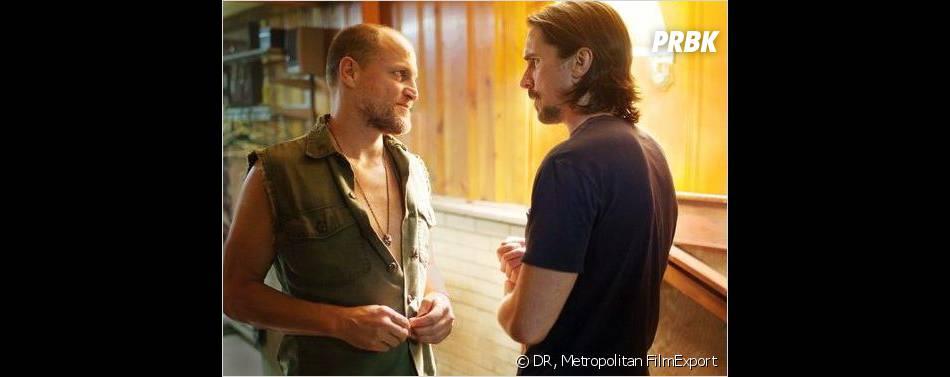 Out of the Furnace : Christian Bale face àWoody Harrelson dans la bande-annonce