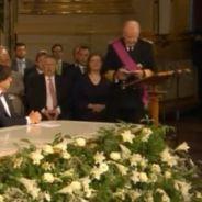 """Albert II : le """"gros kiss"""" de l'ancien roi de Belgique fait le buzz sur Twitter"""