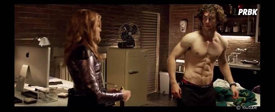 Dans Kick Ass 2, Aaron Taylor-Johnson endosse de nouveau le rôle du super-héros lycéen