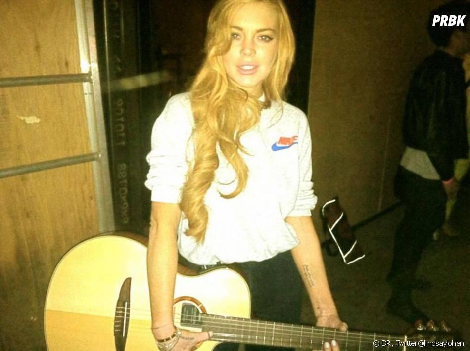 Après sa rehab, Lindsay Lohan doit suivre 15 mois de thérapie.