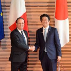 """François Hollande reçoit une Wii U d'Ubisoft : """"Moi, président geek.."""""""