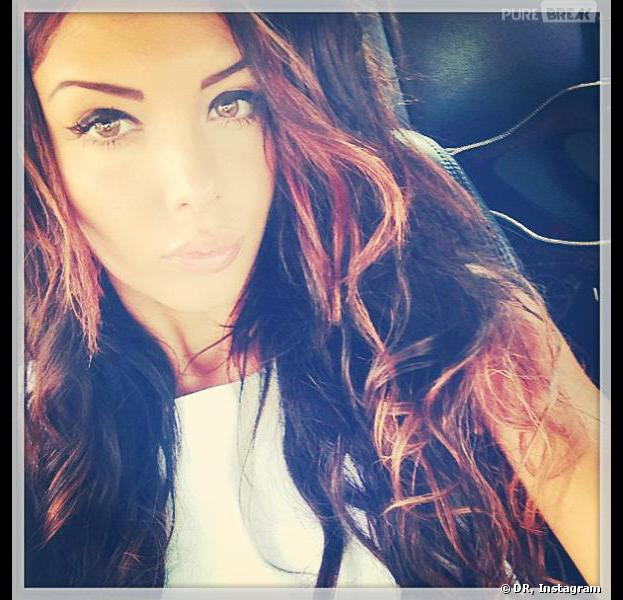 Nabilla Benattia dévoile sa nouvelle couleur de cheveux sur Instagram.