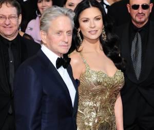 """Catherine Zeta-Jones et Michael Douglas font """"une pause"""". Bientôt la séparation ?"""
