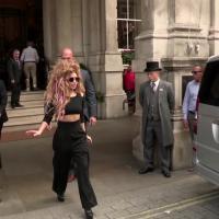 Lady Gaga : tête de cochon, strass, paillettes et coquillages à l'iTunes Festival
