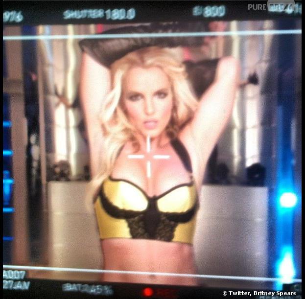 Britney Spears sexy en bikini : elle a retrouvé la ligne pour le tournage de #WorkBitch