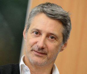 Antoine de Caunes a repris les rênes du Grand Journal sur Canal+.
