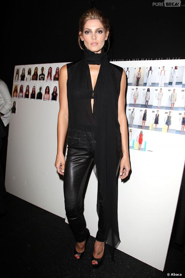 Ashley Greene a assisté à un défilé de mode dans le cadre de la Fashion Week de New York le 9 septembre 2013