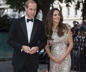 Kate Middleton et le Prince William lors de leur première sortie après la naissance de leur fils.