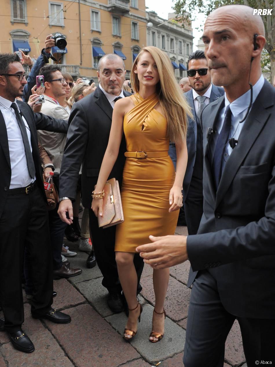 Blake Lively arrive au défilé Gucci lors de la Fashion Week de Milan le 18 septembre 2013