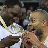 Euro Basket 2013 : Cyril Hanouna, Youssoupha, Cut Killer... tous accros aux Bleus de Tony Parker