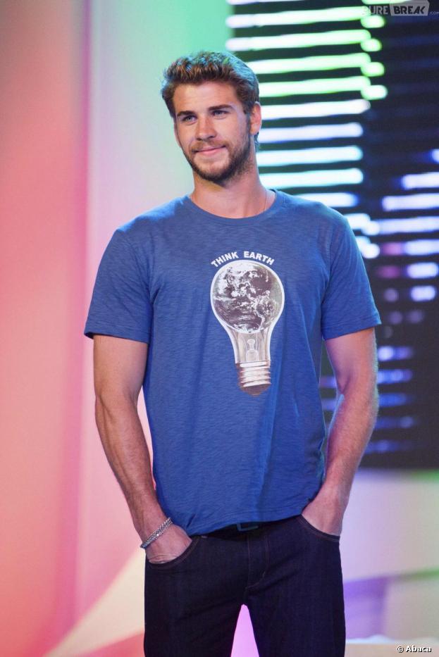 Liam Hemsworth : son charme séduit Elton John