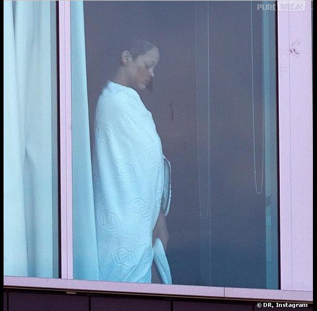 Rihanna déteste les paparazzis plus que... les nazis