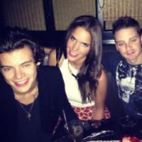 Harry Styles chaud lapin ? Une date avec deux soeurs pour le 1D