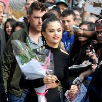 Selena Gomez (re)clashée par Lorde mais soutenue par ses fans à New York