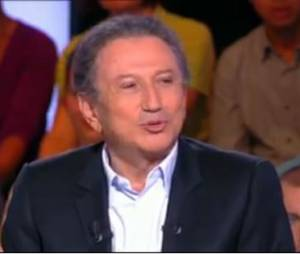 Michel Drucker tacle le Grand Journal de Canal+ sur le plateau de Cyril Hanouna, dans TPMP le 21 octobre 2013