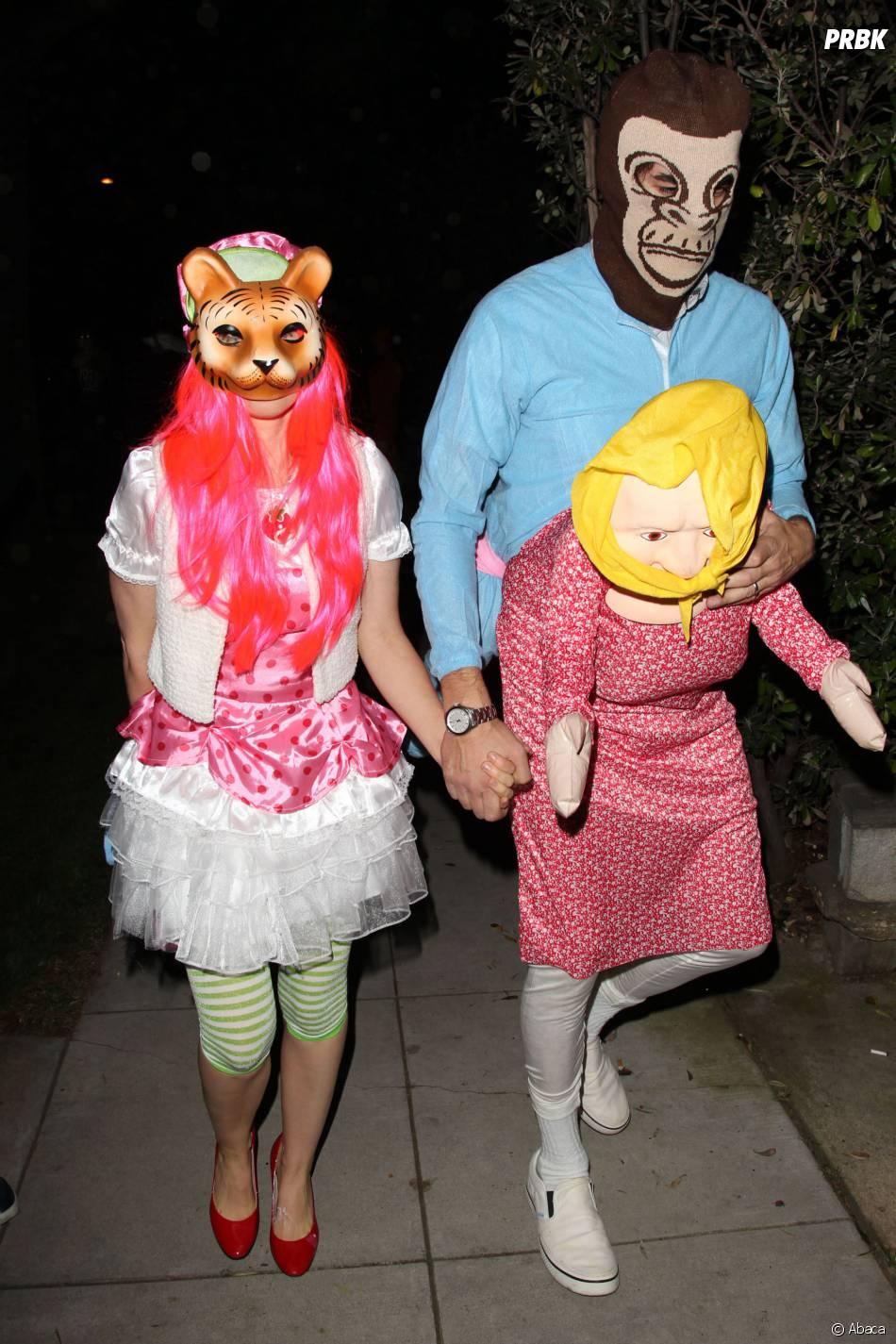 Sacha Baron Cohen encore vulgaire pendant une soirée d'Halloween, le 25 octobre, à Los Angeles