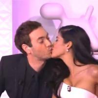 Ayem Nour : un kiss avec Adrien Rohard pour son émission Ca va s'en rire