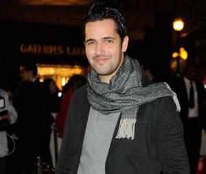 Yoann Fréget chante la bande originale du film La Belle et la Bête, pour l'illumination des Galeries Lafayette Haussmann, le 6 novembre 2013