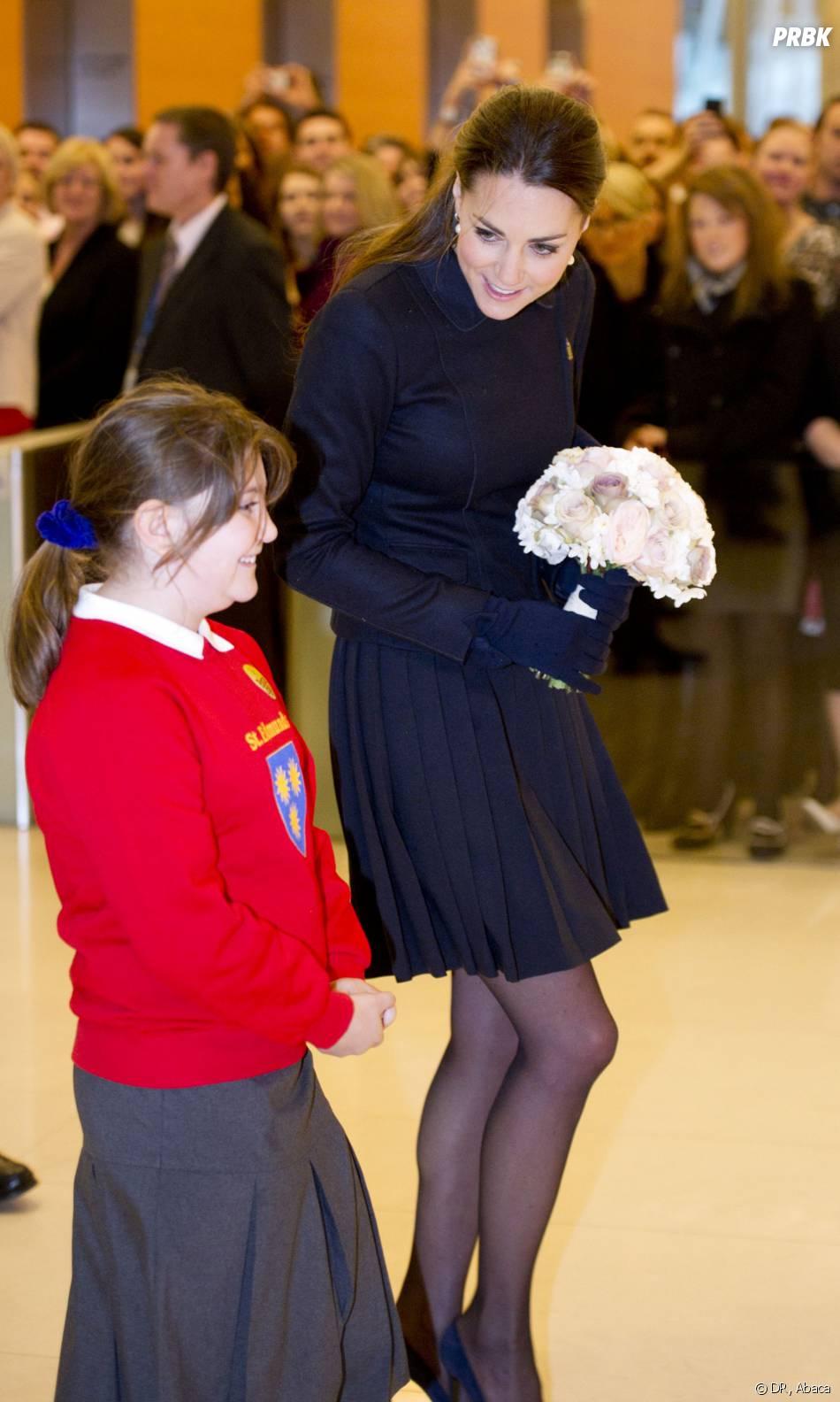 Kate Middleton à la rencontre des enfants à Londres le 20 novembre 2013