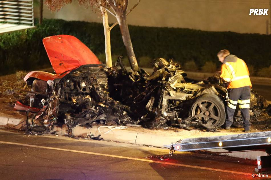 Les photos de l'accident de voiture de l'acteur Paul Walker, mort le 30 novembre 2013, attestent de la violence du crash