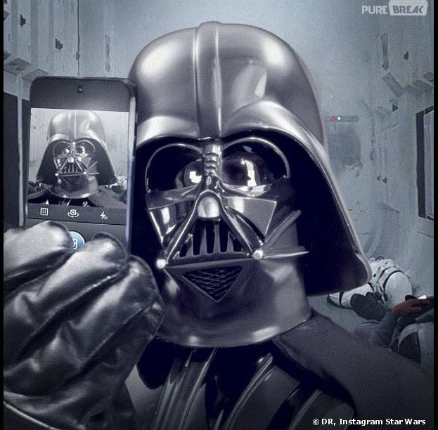 Star Wars 7 : un selfie de Dark Vador pour faire la promo du film