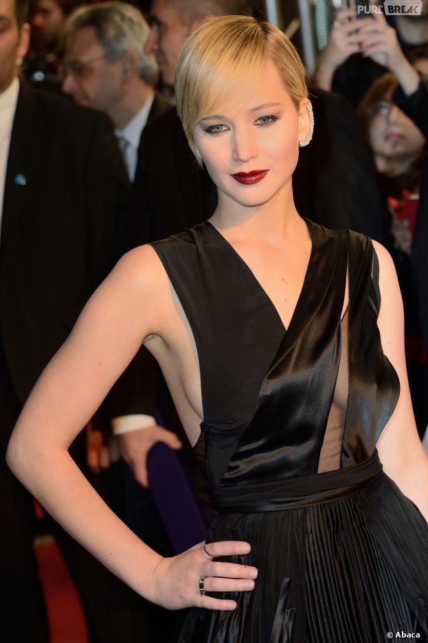 Jennifer Lawrence : baiser lesbien avec Amy Adams dans American Bluff