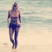 Caroline Receveur : la nouvelle présentatrice du Mag de NRJ 12 sexy en bikini sur Instagram