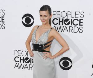 People's Choice Awards 2014 : Olga Fonda sur le tapis-rouge le 8 janvier 2014 à Los Angeles