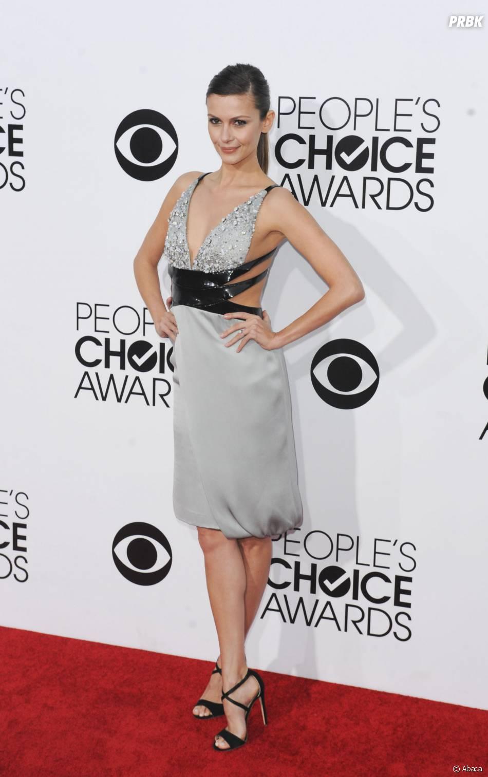 People's Choice Awards 2014 : Olga Fonda sur le tapis-rouge le 8 janvier 2014 à Los Angeles
