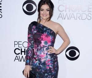 People's Choice Awards 2014 : Lucy Hale sur le tapis-rouge le 8 janvier 2014 à Los Angeles