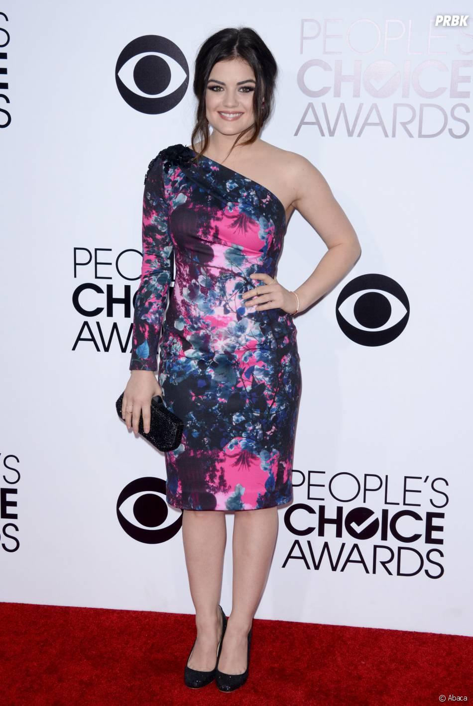 People's Choice Awards 2014 : Lucy Hale sur le tapis-rouge le 8 janvier 2014 à Los Angeles
