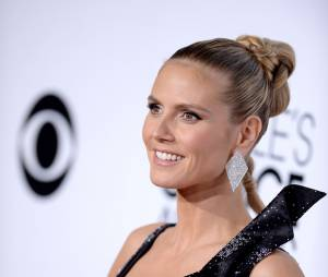 People's Choice Awards 2014 : Heidi Klum décolletée sur le tapis-rouge le 8 janvier 2014 à Los Angeles