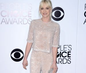 People's Choice Awards 2014 : Anna Faris sur le tapis-rouge le 8 janvier 2014 à Los Angeles