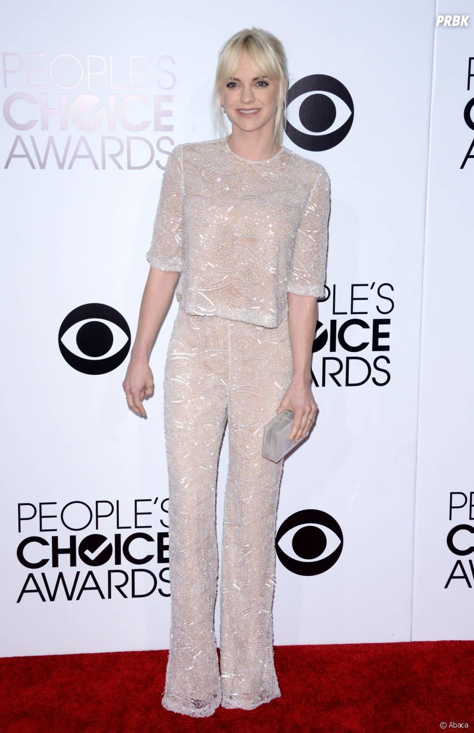People's Choice Awards 2014 : Anna Faris sur le tapis-rouge le 8 janvier 2014 à Los Angeles