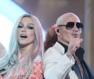 Kesha et Pitbull aux American Music Awards 2013