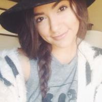 Bethany Mota, la shoppeuse de 18 ans plus suivie sur Youtube que Lady Gaga