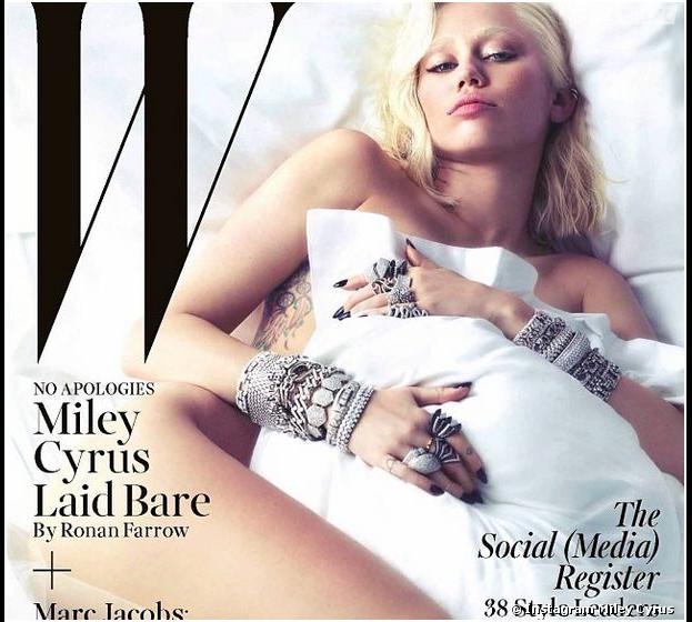 Miley Cyrus nue sous un oreiller pour W Magazine, le 3 février 2014 sur Instagram
