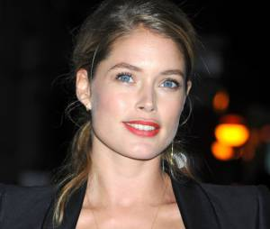 Doutzen Kroes décolletée pour la 30th Annual Night of Stars, le 22 octobre 2013