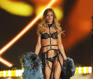 Doutzen Kroes sexy en sous-vêtements pour Victoria's Secret, le 13 novembre 2013