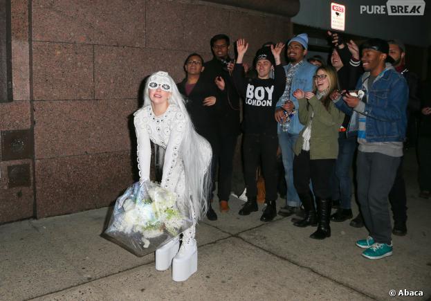 Lady Gaga joue à la mariée à New York le jeudi 20 février 2014 à New York