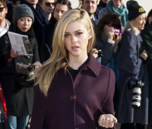 Nicola Peltz lors de son passage à la Fashion Week de Paris le 5 mars 2014