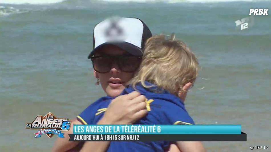 Les Anges 6 : Amélie Neten et un petit garçon à la plage