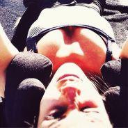Shy'm : selfie sexy et sensations fortes en vacances entre amis