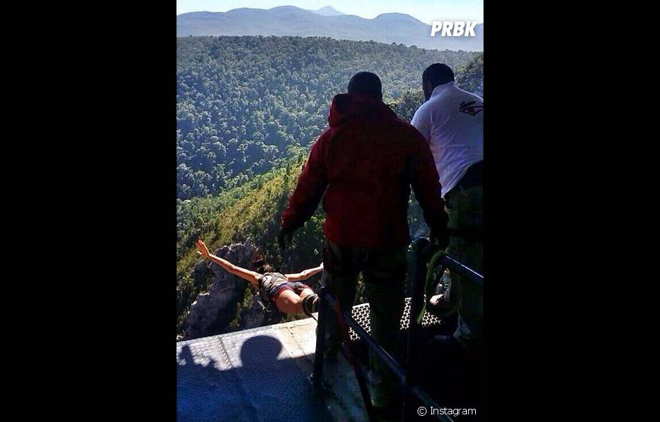 Shy'm : saut à l'élastique et sensations fortes, en vacances en Afrique du Sud, en mars 2014