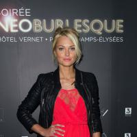 Caroline Receveur sexy : dentelle et décolleté pour la soirée Neo Burlesque