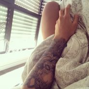 """Caroline Receveur """"copie"""" Anaïs Camizuli : nouveau tatouage géant sur le bras"""