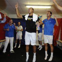 Jo-Wilfried Tsonga, Arnaud Clément : champagne et torses nus pour la Coupe Davis