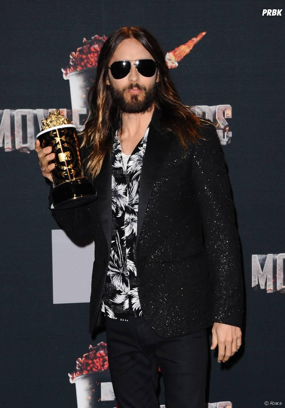 Jared Leto remporte le prix de Meilleure transformation aux MTV Movie Awards 2014 le 13 avril 2014